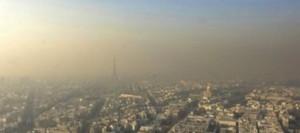 photo-prise-le-1er-fevrier-2006-du-sommet-de-la-tour-montparnasse-a-paris-montrant-un-nuage-de-pollution-au-dessus-de-paris_670187
